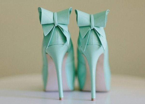 Movie Themed Destination Weddings: Breakfast at Tiffany's - Wedding pumps with bow detail