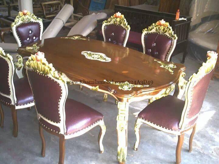 kursi makan motif ukir asli jepara Call us 085 73237 6065 harga murah dengan desain yang sangat elegan cocok untuk melengkapi interior runag makan anda terbuat dari kayu jati TPk kokon dan terdapat jog yang nyaman.
