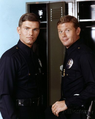 Officers Jim Reed (Kent McCord) and Pete Malloy (Martin Milner) in Adam-12