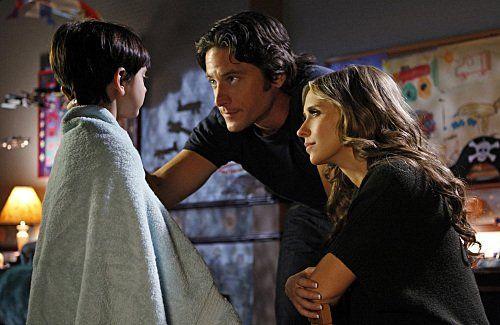 Still of Jennifer Love Hewitt and David Conrad in Ghost Whisperer - Stimmen aus dem Jenseits (2005)