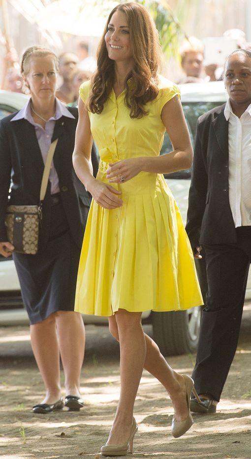 Here in a Jaeger dress, rocking the yellow again. Love this short sleeve, tie front simple dress paired with nude heels