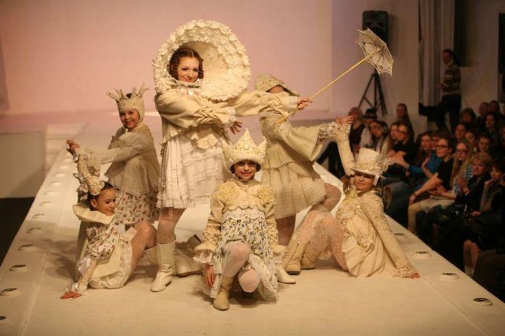 Детский театр моды национальный русский костюм