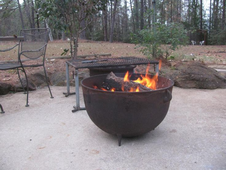 Cast iron wash pot as a fire pit | TexAgs