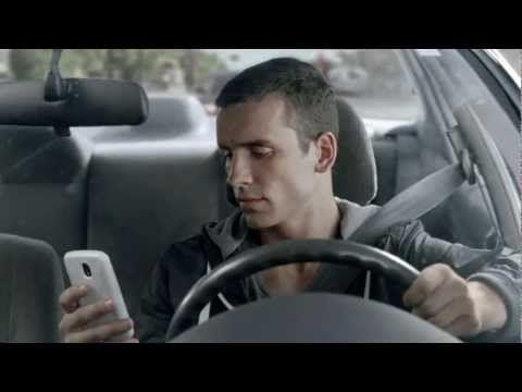 Au volant, on ne texte pas