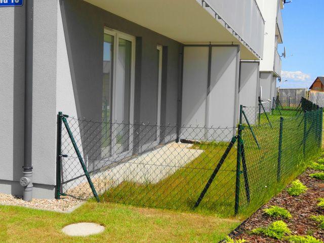 ogrodzony ogródek (nawet do 86m2) stworzony  specjalnie dla osób marzących o wypoczynku na świeżym powietrzu i pragnących mieć własny kawałek zieleni.