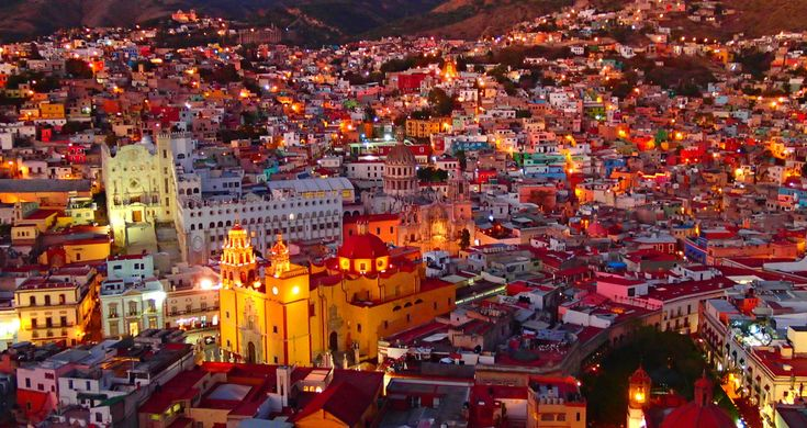 Travelog for Guanajuato which is the world heritage, and its towns are very colorful and beautiful!  宝石箱をひっくり返したようなカラフルな絶景・世界遺産の街、「グアナファト」の旅行記です。 街全体がカラフルで非常に写真映えがする、ワクワクするような街です!