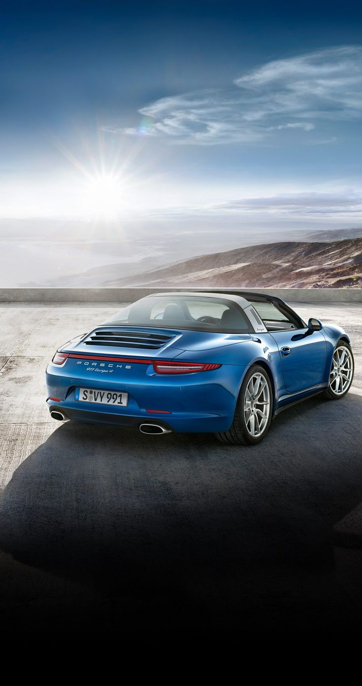 The new Porsche #911Targa 4: 3.4 litre flat-6 engine, 257 kW (350 hp) at 7,400 rpm. It accelerates from 0 to 100 km/h in 5.2 seconds and reaches a top speed of 282 km/h. Learn more: http://link.porsche.com/targa?pc=9915XPINGA *Combined fuel consumption in accordance with EU 6: 10.0 - 8.7 l/100km; 237 - 204 g/km.