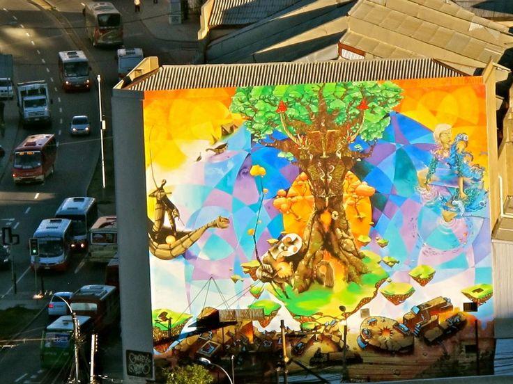 mejores murales valparaiso - mural arbol fachada