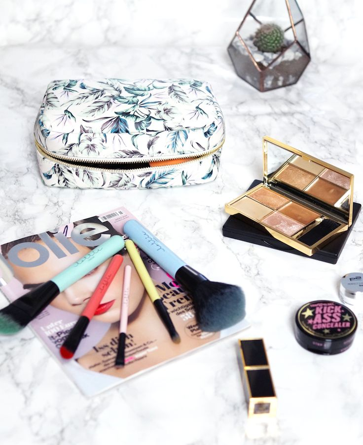 The What's in my Makeup Bag Tag