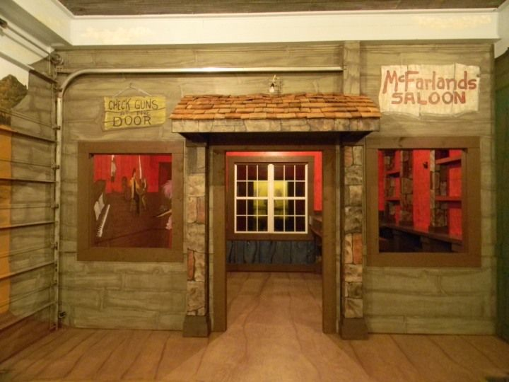 Garage Man Cave Ideas Uk : The ultimate quot man cave murals faux finishes for a ole