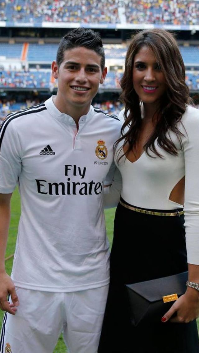 JAMES RODRIGUEZ  con su esposa Daniela