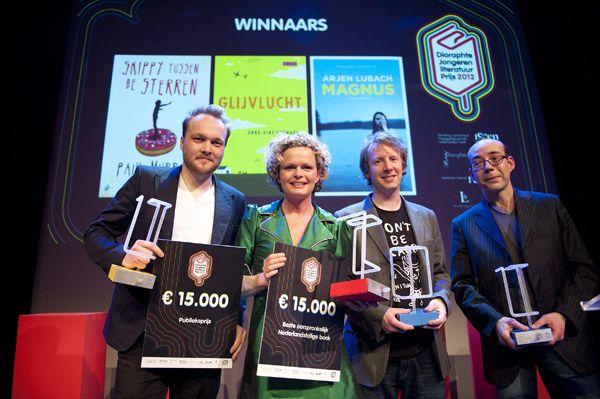 Anne Gine Goemans wears Molly Greenadine | at the 'Dioraphte Jongeren Literatuurprijs 2012' for her novel 'Glijvlucht'. Congratulations!!