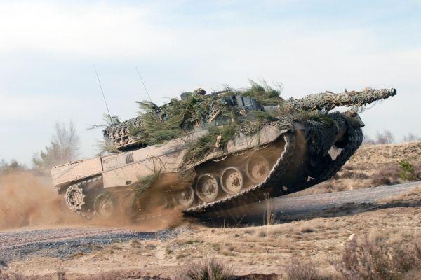 Leopard 2 Main Battle Tank, Canada