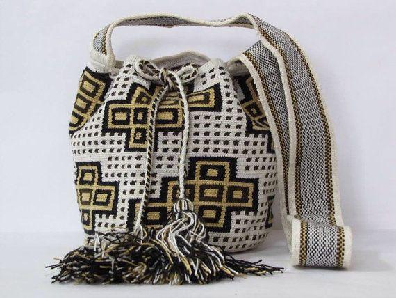 Wayuu messenger bag by PavanaFit on Etsy
