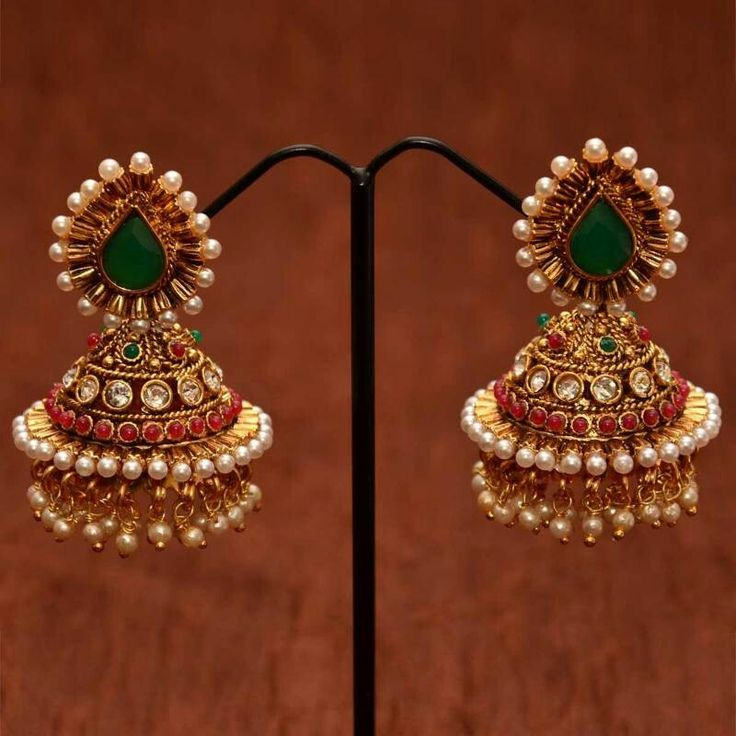 Emerald polki earrings