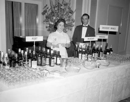 Display at Hotel Canberra for Wine and Brandy Producers Association wine tasting in 1961.