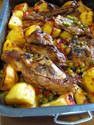 agnello arrosto con patate e piselli