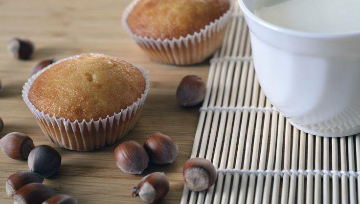 Ammettiamolo, in fatto di dolci gli americani vanno alla grande.Non è un caso che noi italiani abbiamo sperimentato in cucina la preparazione di dolcetti tipici dei paesi anglosassoni, con ottimi risultati, per altro, in termini di gradimento da parte di grandi e piccini. Cookies con gocce di cioccolato e muffin ne rappresentano un valido esempio,…Leggi Tutto »