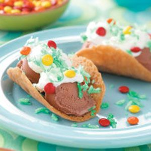 Ice Cream Tacos...so cute :)  Maybe dessert for a mexican theme party?