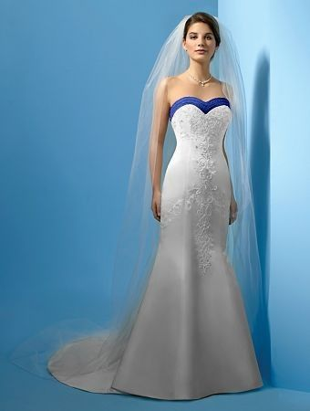 very nice blue accent on the wedding dress - http://casualweddingdresses.net/blue-wedding-dress-get-blued-on-your-wedding-day/