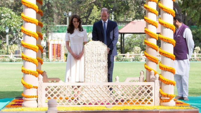 The Duke and Duchess of Cambridge pay their respects at the place where Mahatma Gandhi's life ended on 30 January 1948