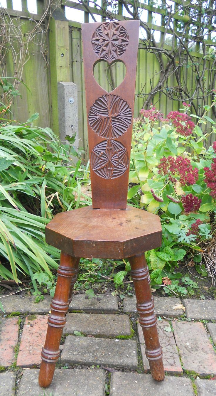 ANTIQUE VINTAGE ARTS & CRAFTS STYLE CARVED WOODEN MILKING STOOL ~ SOLD ON MY EBAY SITE LUBBYDOT1
