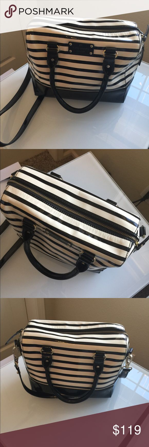 """Kate Spade NY Alesia Wellesley Bag Super stylish black/ white  Excellent clean condition  12x10x5 Strap drop 5"""" Long strap 20-25"""" kate spade Bags Satchels"""