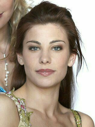 Brooke Satchwell. Actress 💜❤💟💖💗💛💚💙
