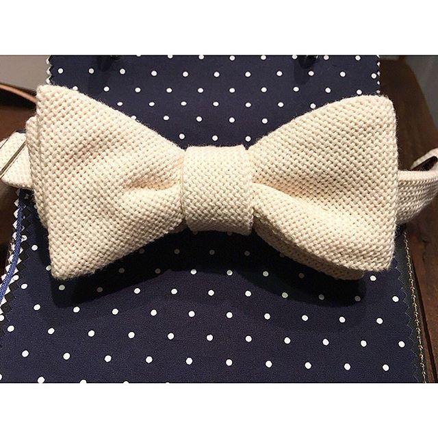 shirt&bowtie. STYLE 3.  ネイビードット柄のシャツに、オフホワイトの蝶ネクタイ。 . .  オーダーメイド製品はlifestyleorderへ。 . . .  all made in JAPAN . . .  素敵な結婚式の写真を@lso_wdにアップしました。 . . .  wedding photo…@lso_wd womens...@lso_andc . . .  #ライフスタイルオーダー#オーダースーツ目黒#結婚式#カジュアルウエディング#ナチュラルウエディング#レストランウエディング#結婚準備#新郎衣装#新郎#プレ花嫁#メンズファッション#ドット#蝶ネクタイ  #lifestyleorder#japan#meguro#photooftheday#instagood#wedding#tailor#snap#mensfashion#menswear#follow#ootd#resort#dot#bowtie