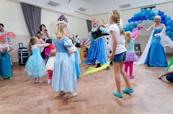 Frozen party theme entertainment for kids by JoJoFun. Available for children's party events in Toronto