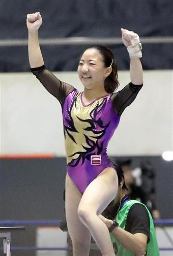体操NHK杯は4日、東京・国立代々木競技場でリオデジャネイロ五輪代表選考会を兼ねて個人総合で争われ、ロンドン五輪代表の寺本明日香(中京大)が合計115・050…