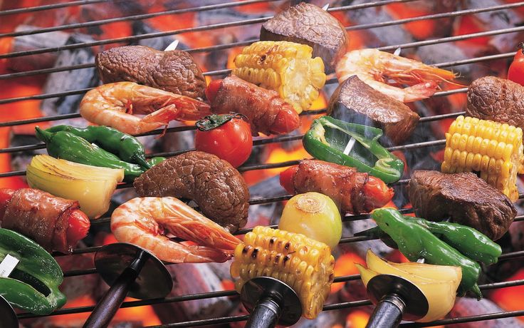 Food and dinner eten uiteten dineren proeven happen hapjes lekker genieten drinken drank dorst lessen bbq barbecueën