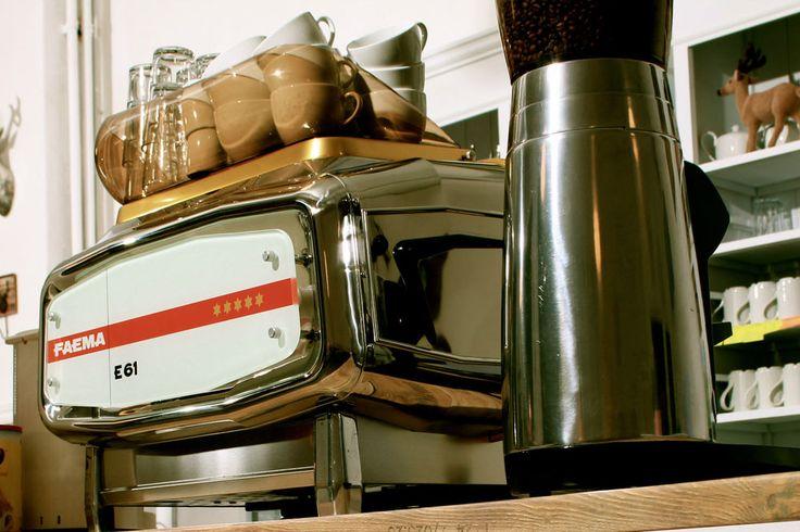die besten 25 cappuccino maschine ideen auf pinterest espresso machine espressomaschine und. Black Bedroom Furniture Sets. Home Design Ideas