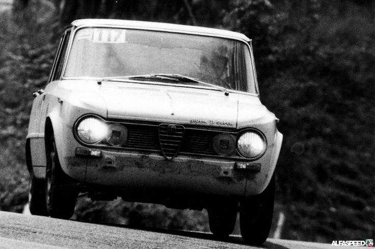 Vroeger: Alfa Romeo 105's op het circuit | Alfaspeed.nl - Giulia, GT, Spider en 105