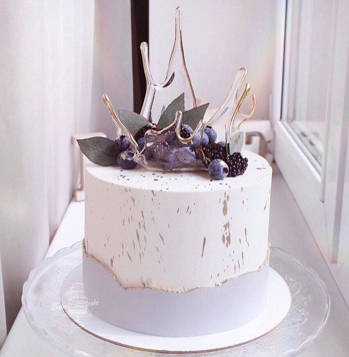 I love everything about this cake 👌🏼 👌🏼 @ krislen_cake ⠀⠀⠀⠀  …  – Kuchendesign