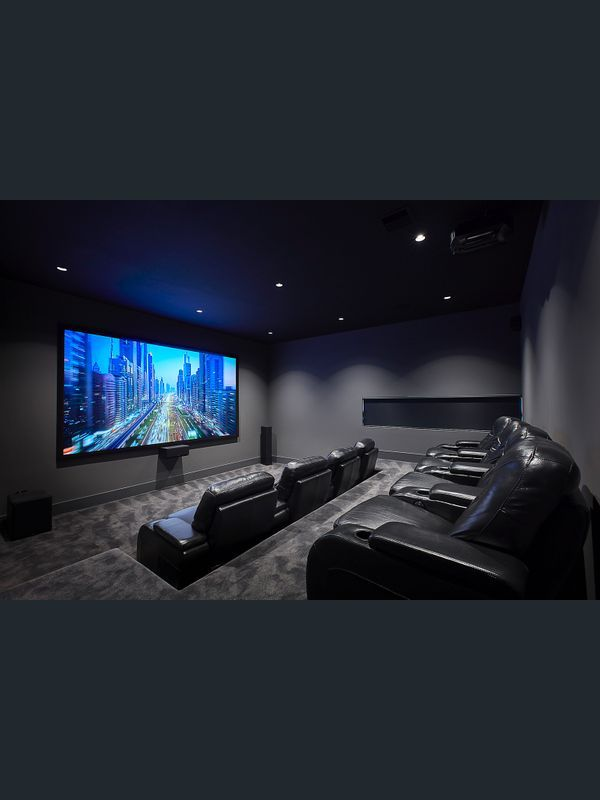 6 Acheron Street Doncaster Vic 3108 House for S Home Theater Room Design, Movie Theater Rooms, Home Theater Decor, Best Home Theater, Home Theater Seating, Cinema Room Small, Home Cinema Room, Small Movie Room, Salas Home Theater