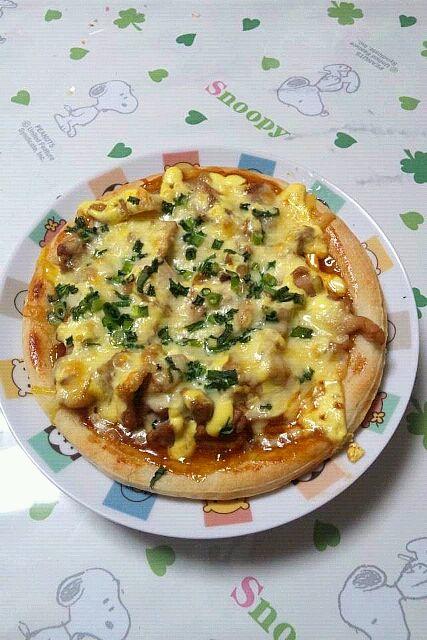 テリヤキチキン・マヨネーズ・チーズ・ネギをトッピングして、食べる前に海苔を散らしました☆★ - 4件のもぐもぐ - 手作りピザ② by black12white24