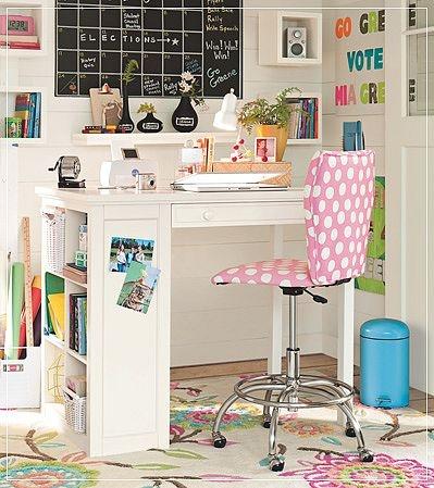 Mónica Diseños: Cómo armar un escritorio pequeño en casa.