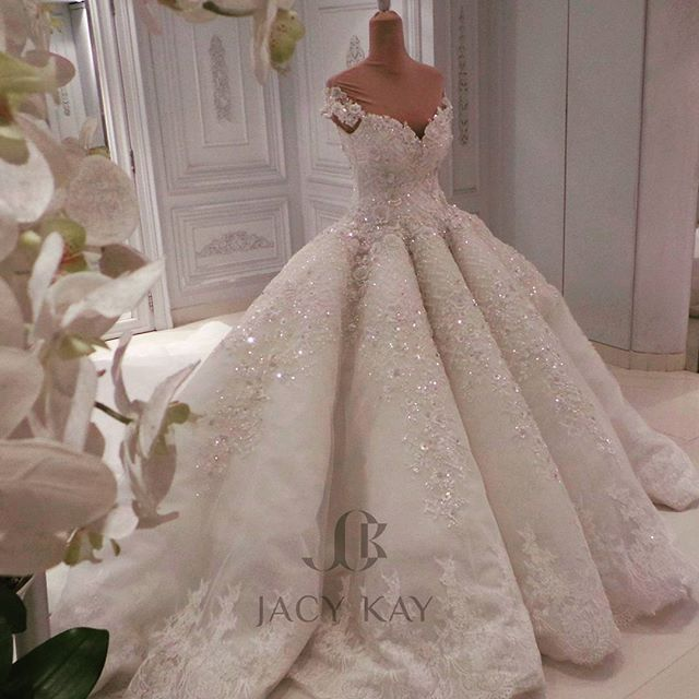 A Princess Dress,,, designed with a 3d flower and a Shinning sequence... for our simply  and  beautiful bride ... Thank you so much  Ms.Maitha  #jacykay #jacykayofficial #hautecouture #weddingdress #wedding #mydubai #dubai #uae