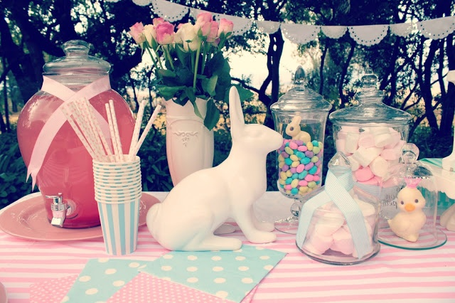 Just Darling Easter Candy Bar http://justdarlingblogger.blogspot.com/2013/03/easter-candy-table.html