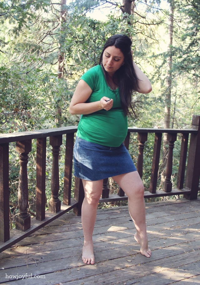 Belly Sewing: $1 Maternity Jean skirt from men's shortsA Mini-Saia Jeans, Sewing Skirts, Jean Skirts, Men Shorts, Maternity Sewing, Maternity Jeans, Jeans Skirts, Belly Sewing, Baby Stuff