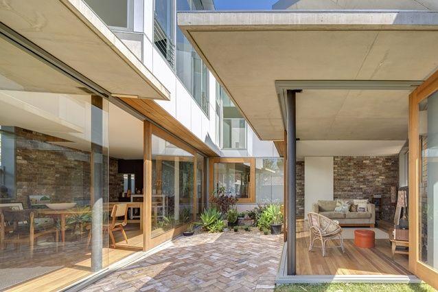 Nikki Maloney's House by Drew Heath Architects