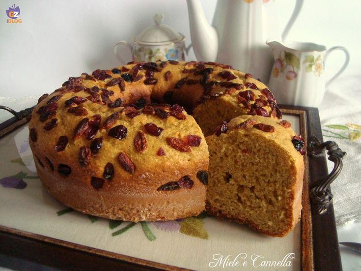 Una ricetta semplice che può essere cotta anche in forno, se non avete il fornetto Versilia. Io ho guarnito con frutti rossi.