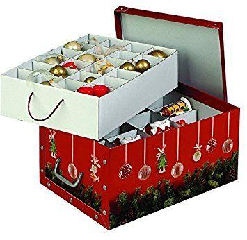 XXL Dekokarton in Rot mit schönen Darstellungen eines Weihnachtskranzes und Weihnachtskugeln - formschön und hochwertig. Mit Einsätzen für max. 40 Christbaumkugeln oder Weihnachtsdeko. Karton aus stabiler Pappe in Rot mit Griffen aus Kunststoff! Topp