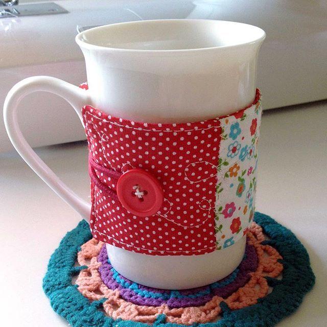 Kumaş bardak kılıfı anlatımı bebeklikedi.com 'da  #bebeklikedi #diy #coffeecozy #coffeesleeve #bardakkılıfı #kumaş #fabric #doityourself #kendinizyapin #handmade #sewing #dikiş #tutorial