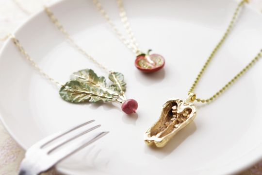 Necklace - Green pepper, Radish, Cherry tomato by BroughSuperior