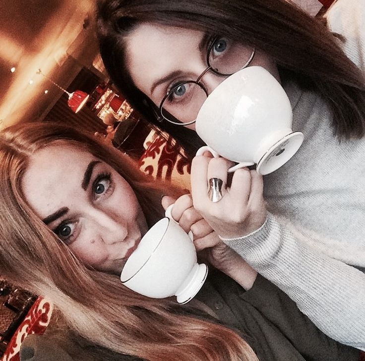 Christmas long weekend trip to London https://www.allyblog.com/home/christmas-in-london high tea, afternoon tea, Rubens, skating, castle, England, vacation planning, winter, holiday, portobello road market, Harry Potter, The Cursed Child, palace theatre