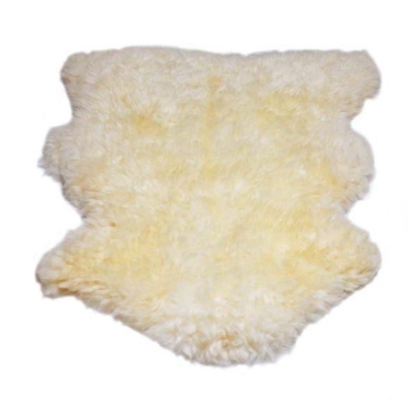 Lã natural de ovelha. Pode ser usada sobreposta em poltronas, sofás, cadeiras, etc. Frequentemente usadas por pilotos de avião pelo seu efeito relaxante. O tamanho da pele e a altura dos pêlos podem variar por ser um produto natural.