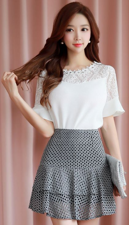 StyleOnme_Two Tier Mini Lace Skort #cute #sweet #feminine #koreanfashion #kstyle #kfashion #seoul #skirt #summertrend