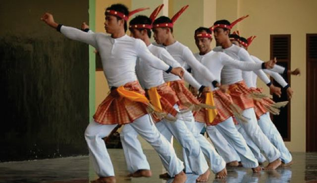 Tari Seudati, traditional dance from Aceh